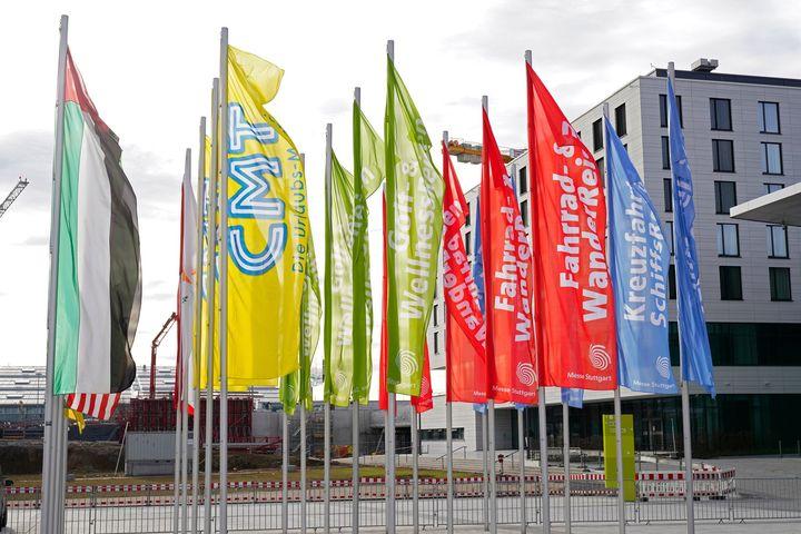 Die CMT 2021 kann im Januar nicht stattfinden...  … und es bricht uns das Herz. Das aktuelle Infektionsgeschehen und die damit einhergehenden Maßnahmen machen es uns unmöglich, verlässlich eine Veranstaltung mit Ausstellern aus über 100 Ländern...