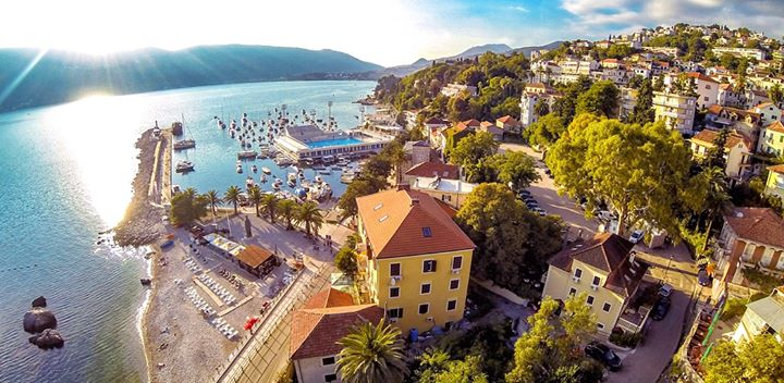 Tolle Neuigkeiten! Die Partner für die #cmt2020 stehen fest: Outdoor in Baden-Württemberg, Gesundheit und Erholung und die malerischen Landschaften Montenegros werden im Januar auf der CMT im Fokus stehen. Wir freuen uns auf das Caravaning-Trendthema...