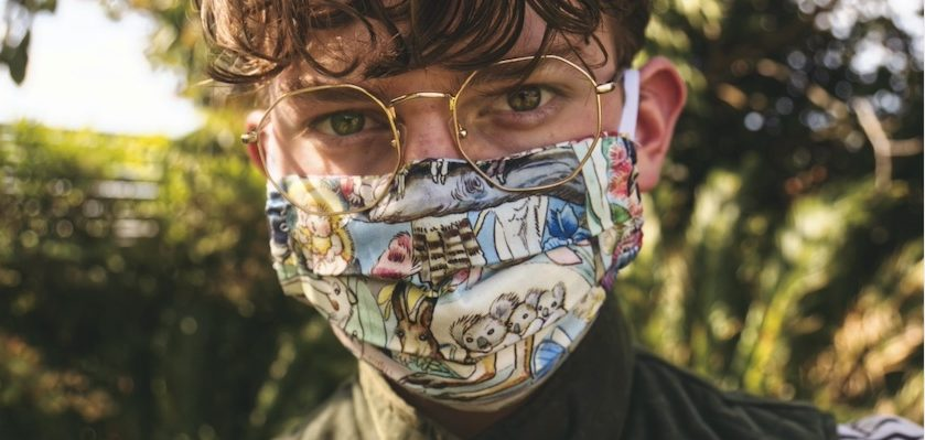 Ab dem 27. April 2020 gilt in Baden-Württemberg eine Maskenpflicht für öffentliche Verkehrsmittel und beim Einkaufen. Kauft euch daher noch schnell eine Maske und unterstütz dadurch Läden in Stuttgart. Es sind auch viele Future Fashion Läden dabe...