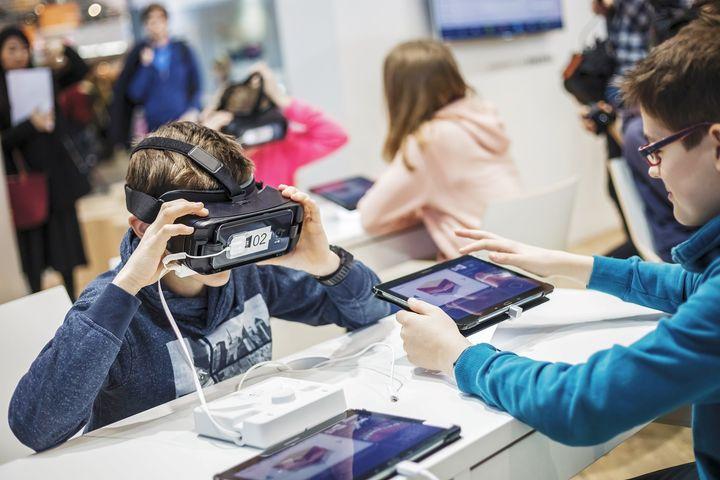 Happy World Teachers' Day! ?? Besonders in diesem Jahr stehen Lehrerinnen & Lehrer vor neuen Herausforderungen. Im Fokus: neue Unterrichtstechnologien ? Der Einsatz innovativer Technologien und digitaler Lehr- & Lernmethoden wird bei uns...