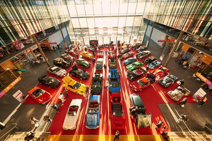 Neu in diesem Jahr auf der Familie & Heim: Die Raritätenschau! ?? Automobil-Fans, freut euch auf legendäre Oldtimer-Modelle und faszinierende Edelflitzer und erlebt einen kleinen Vorgeschmack auf die RETRO CLASSICS! ? Hier geht's zu den Tick...