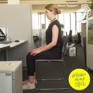Während im Büro oftmals ein ergonomischer Arbeitsplatz wartet, sind im Home Office die Gegebenheiten einfacher.? Um dem Rücken auch hier etwas Gutes zu tun, haben wir uns, von der TheraPro inspiriert,  Übungen zeigen lassen, die wir euch diese W...