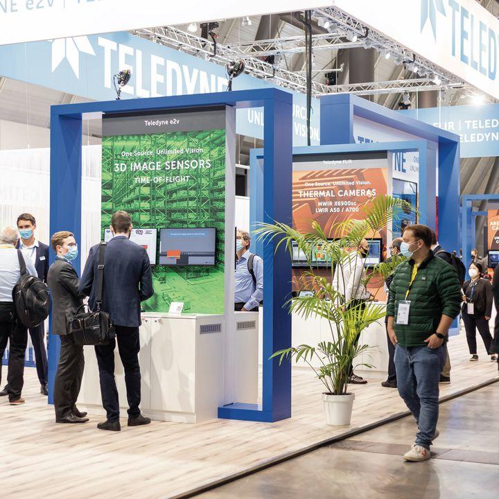 Die Welt der Bildverarbeitung trifft sich seit heute endlich wieder bei uns in Stuttgart und das auch wörtlich genommen.? Von den rund 300 Ausstellenden auf der VISION, kommt die Hälfte aus dem Ausland.? Ein Highlight dieses Jahr sind außerdem...