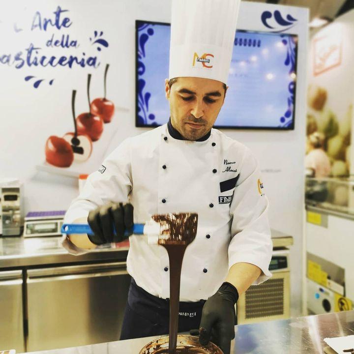 Auf der #Eisfachmesse #Gelatissimo zeigen die Meister ihres Fachs, wie das beste Eis der Welt hergestellt wird. ???? #eis #gelato #gelaterie #gelateria_icecream ##glateria #gelatoicecream #gelatogourmet #gelatolovers #eisessen #eisamstiel #...
