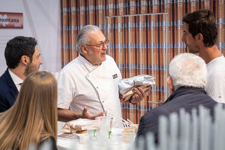 In den letzten Wochen hat das Projektteam der #GELATISSIMO intensive Gespräche mit den ausstellenden Unternehmen geführt und darüber informiert, wie eine #Eisfachmesse unter Berücksichtigung der #Corona-Verordnung realisierbar ist. Die Teilnehmende...