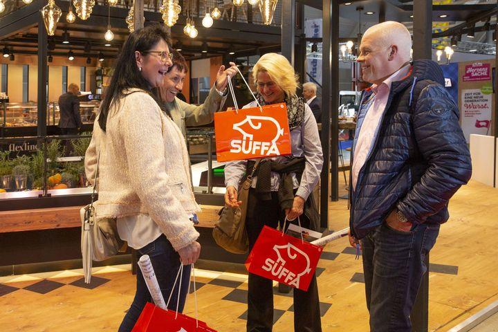 Das Fleischerhandwerk ist eine Männerdomäne? Diese Zeiten sind vorbei! Frauen sind aus der Branche nicht mehr wegzudenken, egal ob Meisterin, Fleischereifachverkäuferin, Mitarbeiterin oder Auszubildende. Deshalb lädt die #SUEFFA am Messemontag wied...
