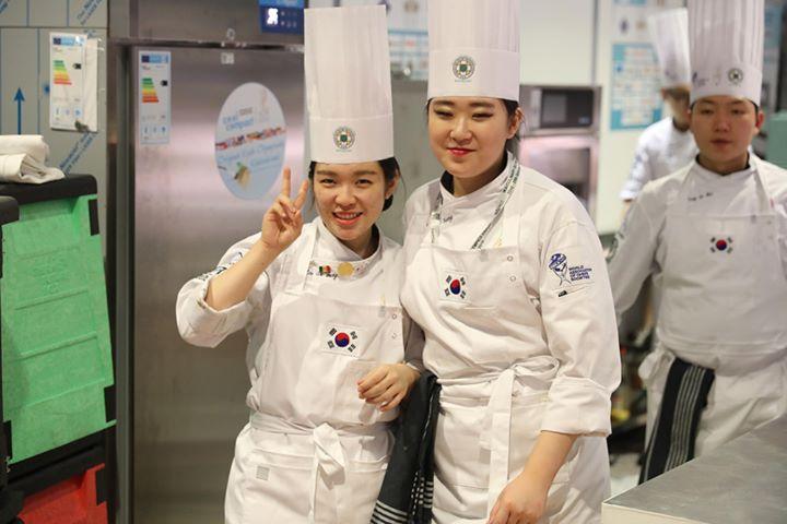 #dabeiseinistalles heißt es auch für das Team aus Südkorea, wenn die IKA Culinary Olympics starten. Hast du schon dein Ticket gebucht? ? #restaurantofcommunitycatering #restaurantofnation  #chefstable #CulinaryOlympics #CulinaryOlympics2020 #taki...
