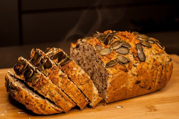 """Die Gewinner des Innovationspreises stehen fest. Der Sonderpreis #FoodforFuture"""" geht stellvertretend für viele ähnliche Entwicklungen an Brento aus Herlikofen. Das Start-Up stellt #Brotbackmischungen her und kombiniert hochwertige alte Getreidesor..."""