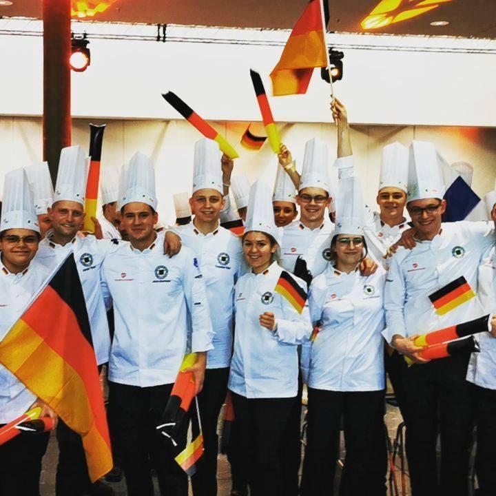 Grüße vom Deutschen Team @ikaolympics ✌️ #intergastra2020 #dabeiseinistalles #takingpartiseverything #ika2020