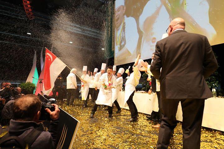 #Gewinnspiel Wir geben ein Essen für 2 Personen auf den IKA Culinary Olympics aus. ????? ❤ ❤ ❤ TEILEN erlaubt ❤ ❤ ❤ --- Das gibt es nur alle 4 Jahre: Ihr kommt in den Genuss eines 3-Gänge-Menüs der olympischen GV-Tea...