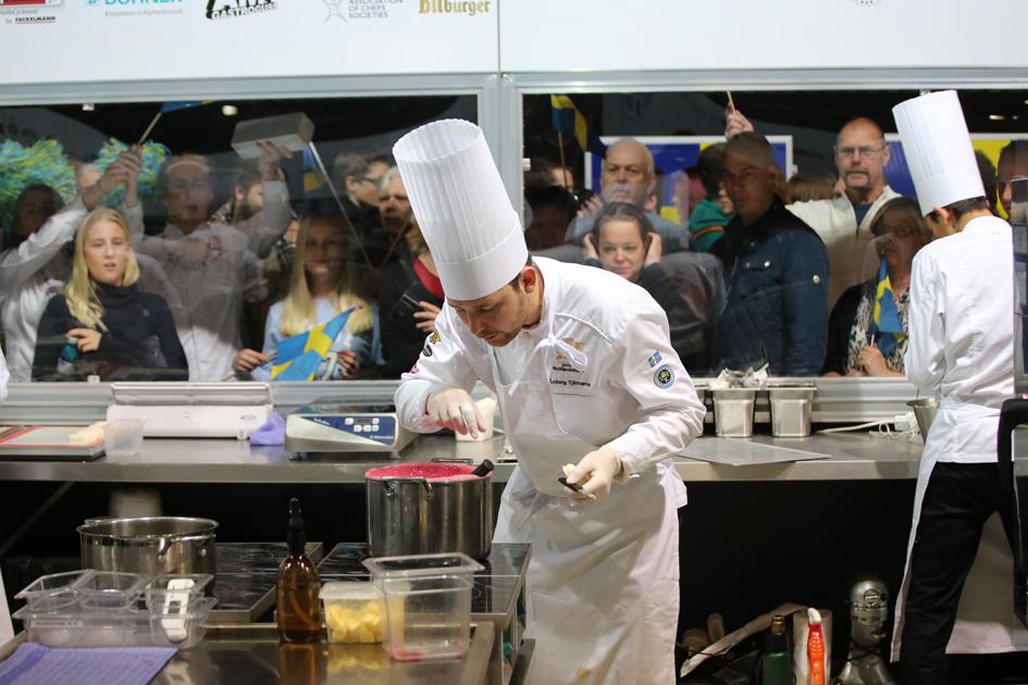 Die IKA Culinary Olympics beschäftigen die Branche. Deshalb widmet die KÜCHE - Das Fachmagazin für Profiköche dem internationalen Wettbewerb eine ganze Sonderausgabe. Auszüge zum Nachlesen sind jetzt online verfügbar. Reinschauen lohnt sich! ?...