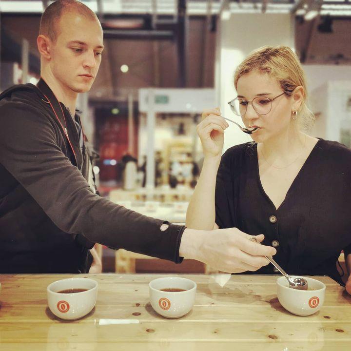 Beim CupTasting im Stuttgart Coffee Summit zeigt sich, welche Auswirkung Sorte, Verarbeitung und Zubereitung des Kaffees auf den Geschmack haben. ☕ Die ideale Vorbereitung ist ein Gang durch das AromaLabyrinth. ?? #intergastra2020 #dabeiseinist...