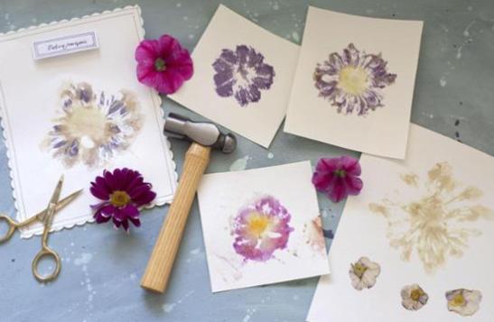 Bevor der Sommer wieder vorüber ist, noch schnell mit dieser coolen Technik die Knallfarben eurer Lieblingsblumen konservieren. ☺️ Total einfach und auch ganz ohne Malerei-Vorkenntnisse. Die Anleitung zu dieser tollen Idee haben wir bei ARD-Buffet...