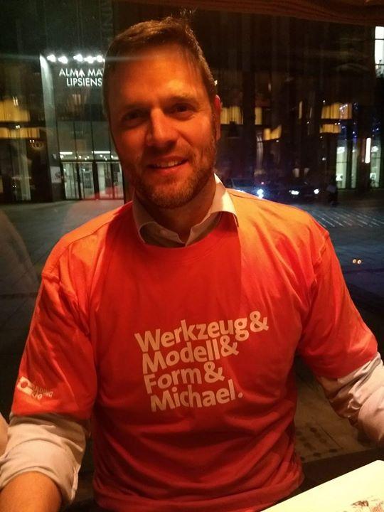 Wir haben ihn in Leipzig gefunden: Michael mit Leidenschaft zum Werkzeug- Modell- Formenbau! Unser Kampagnenshirt zur #MEX2019 steht ihm super oder? ?