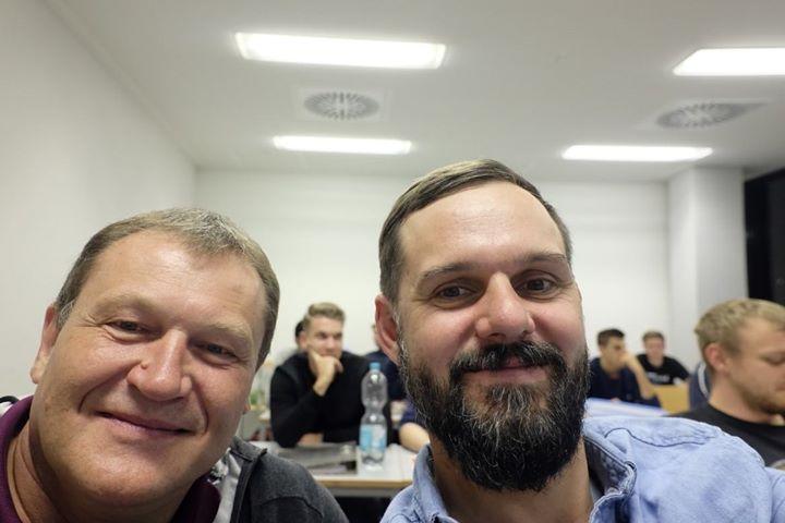 Mit dem Werkzeugbau-Profi und Fachbuchautor Rainer Dangel hat Prof. Ritter einen ausgemachten Experten als Privatdozenten für die #MEXBox ins Boot geholt.