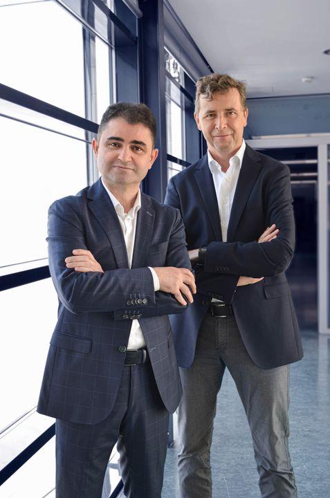 Änderung in der Geschäftsführung: Bei der Sattler SUN-TEX GmbH hat es zum 1. Juli 2020 einen geplanten Wechsel in der Geschäftsführung gegeben. Ing. Andreas Freiler ist nach langer und erfolgreicher Tätigkeit als Geschäftsführer Technik/Produkt...