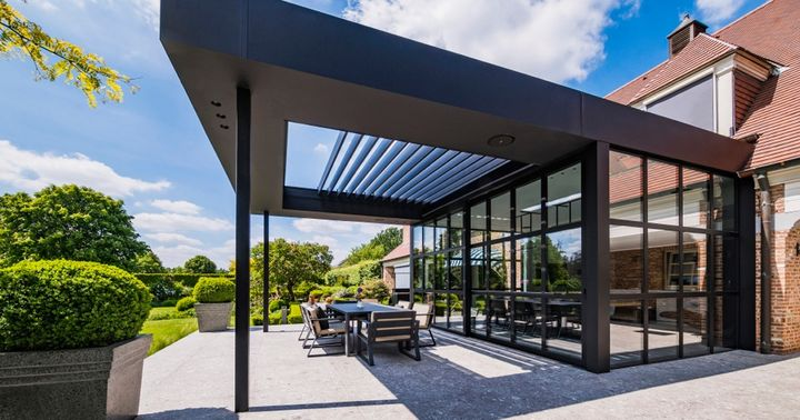 Want to incorporate a bladed roof into an existing roof above a patio, so it integrates seamlessly with your home? The Renson Aero Skye makes it easy! The adjustable blades ensure you can spend time outside in the best possible conditions all year roun...