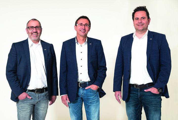 Neuer Gesamtvertriebsleiter: Ingo Legnini (M.) ist seit dem 1. April 2021 als Gesamtvertriebsleiter in der HELLA Sonnenschutztechnik GmbH beschäftigt und berichtet als Prokurist direkt an die Konzernzentrale im österreichischen Abfaltersbach. Dort si...