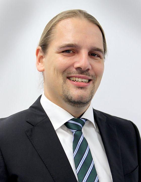 Geschäftsführung erweitert: Die ift Rosenheim GmbH ist in den letzten Jahren kontinuierlich gewachsen und mit nunmehr 235 Mitarbeitern eines der führenden TIC-Unternehmen der Branche. Gewachsen ist auch die Breite der technischen Dienstleistungen. I...