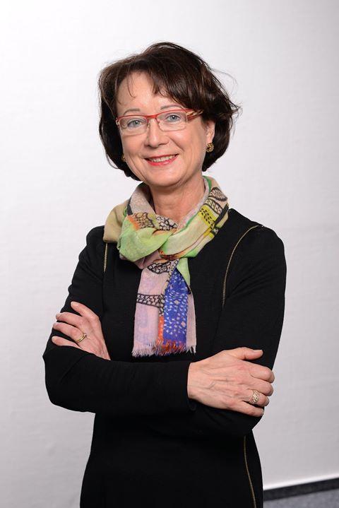 Wohlverdienter Ruhestand: Nach über 28 Jahren hat sich Agnes Kattelmann als Geschäftsführerin der KADECO Sonnenschutzsysteme GmbH Ende 2018 in den Ruhestand verabschiedet. Gemeinsam mit ihrem Mann Walfried Kattelmann hatte sie das Unternehmen 1990 g...