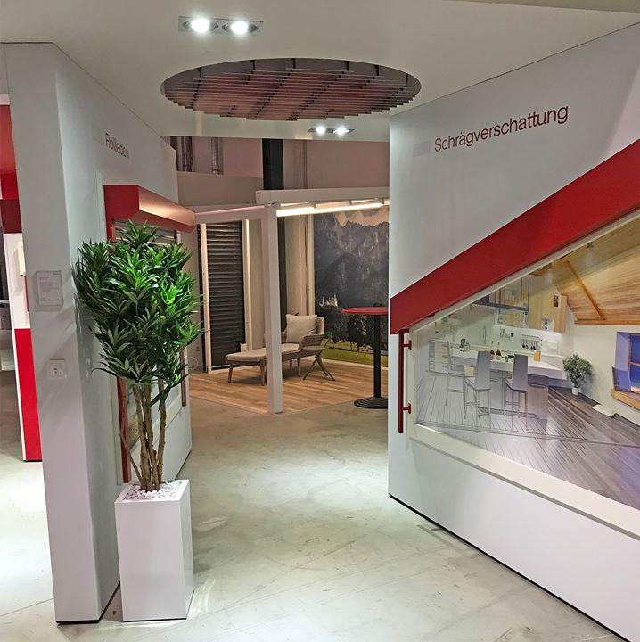 Noch näher am Kunden: REFLEXA-Werke - Sonnenschutz in Perfektion hat in Bremen Anfang Februar speziell für die Kunden in der Region einen 300 Quadratmeter großen Showroom eröffnet. Hier erleben die norddeutschen Kunden das Reflexa-Sortiment live, k...