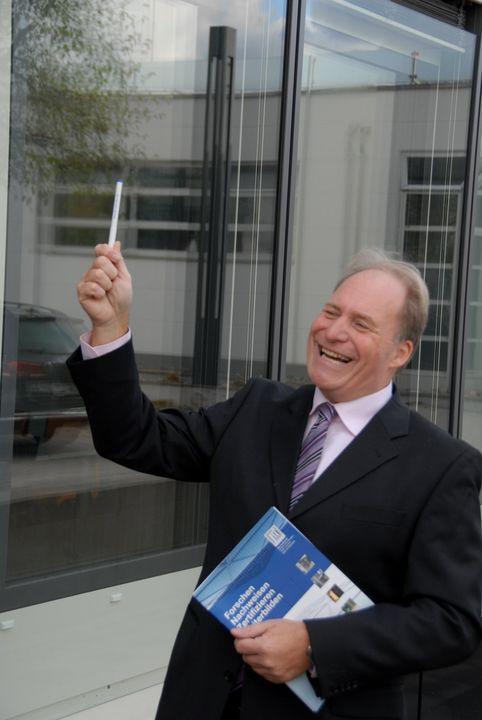 Wechsel an der Spitze der ift Rosenheim GmbH: Prof. Ulrich Sieberath ist zum Ende des Jahres 2019 in den Ruhestand gegangen. Er hat im ift Rosenheim in 37 Jahren Enormes geleistet, insbesondere in den letzten 16 Jahren als Institutsleiter. Durch sein g...