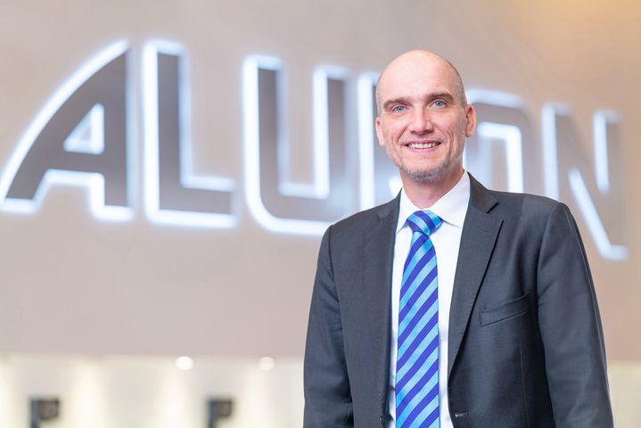 Neuer Gesamtverkaufsleiter: Wolfram Quast (Bild) ist seit dem 1. April 2020 neuer Gesamtverkaufsleiter bei ALUKON. In der neu geschaffenen Position berichtet er direkt an die Geschäftsführung von Alukon und ist verantwortlich für die Erschließung n...