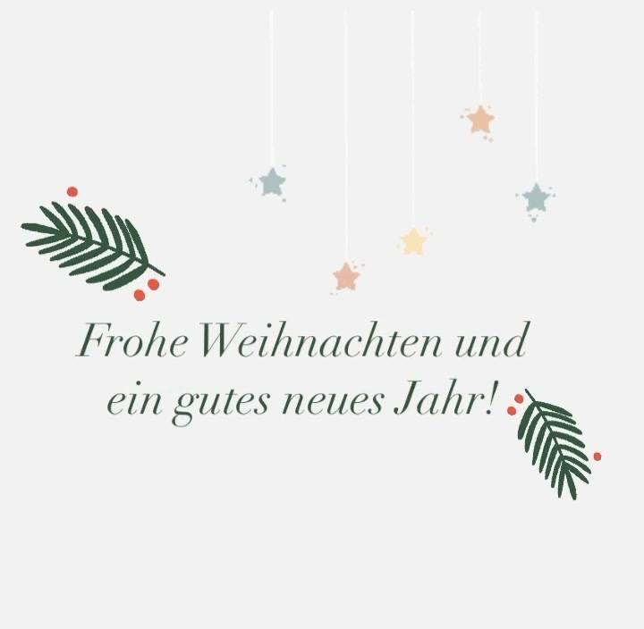 Wir wünschen euch allen schöne Festtage und ein gutes und gesundes neues Jahr! Dieses Jahr werden wir wohl jede Menge Zeit zum Spielen haben über die Feiertage. Habt ihr auch Spiele, die immer an Weihnachten wieder aus dem Regal gezogen werden? ?