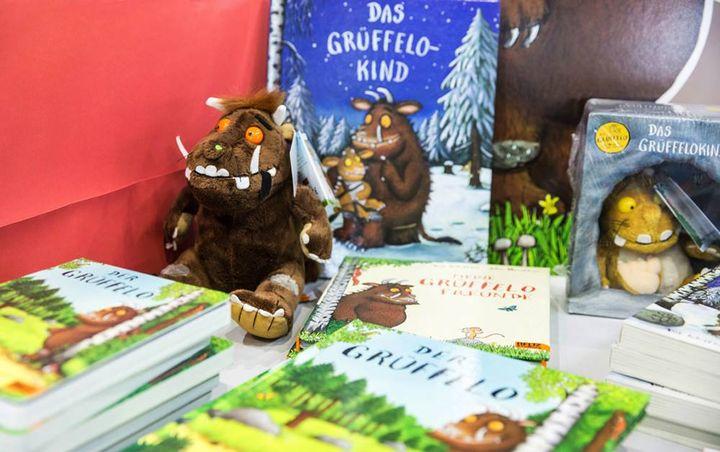 Heute ist internationaler Kinderbuchtag! Ob vorgelesen oder selbst geschmökert - mit fantasievollen Kinderbüchern lässt sich herrlich in fremde Welten voll Abenteuern und Helden entfliehen. Mal lustig, mal aufregend, mal ganz zauberhaft. Welches Kin...