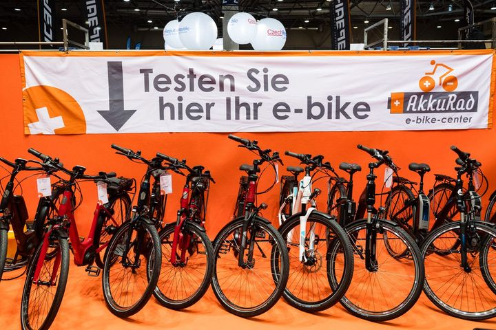 Ihr spielt mit dem Gedanken, euch ein E-Bike anzuschaffen? Dann schaut doch mal bei der unabhängigen E-Bike Beratung durch die ElektroRad-Redaktion am  23. und 24. November um 15.30 Uhr auf der TC Bühne vorbei.