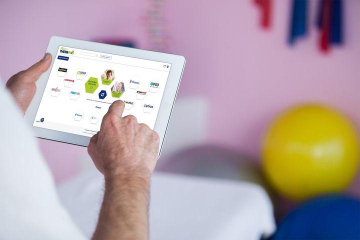 Was bietet die TheraPro Kompakt?  ?Wissensplattform. Vertiefen Sie Ihr Wissen in hochkarätigen Vorträgen und mit praxisorientierten Inhalten!  ?Virtuell & Live. Vernetzen Sie sich mit BranchenexpertInnen und stellen Sie Ihre Fragen an die Refer...